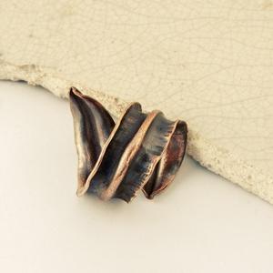 levél - vörösréz gyűrű  , Ékszer, Gyűrű, vörösréz lemezből hajtogatott, kalapált, kovácsolt , - foldforming technikával készült nyitott, leve..., Meska