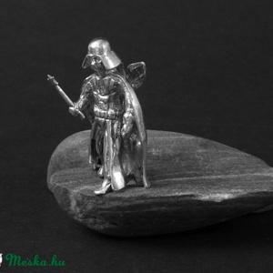 A sötét olldal titkai ezüstmedál - Star Wars, Darth Vader Rendelhető (varabin) - Meska.hu