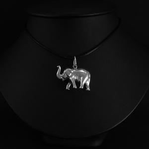 Elefánt medál nagy, Medál, Nyaklánc, Ékszer, Ékszerkészítés, Ötvös, Eredetileg egy kedves vevőm kérésére készítettem 925 ezrelékes ezüstből az álló ormányú, szerencseho..., Meska