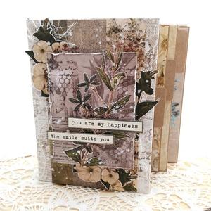 Kreatív Fotóalbum / Scrapbook album - Vintage Botanikus Napló , Otthon & Lakás, Papír írószer, Album & Fotóalbum, Papírművészet, Könyvkötés, Egy kézzel készített csodát tarthatsz a kezedben, ha ezt az albumot választod. Az album lépcsős elre..., Meska