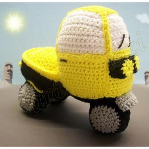 Horgolt autó