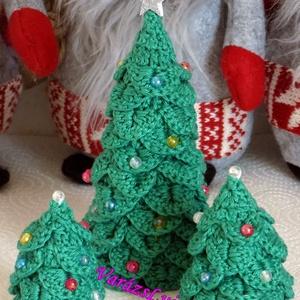 Horgolt Karácsonyfa , Otthon, lakberendezés, Dekoráció, Karácsonyi, adventi apróságok, Ünnepi dekoráció, Horgolás, Horgolt Karácsonyfákat készítettem, sok-sok szeretettel.  Szép dekoráció lehet az otthonodban,munka..., Meska