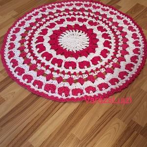 Horgolt Mandala szőnyeg