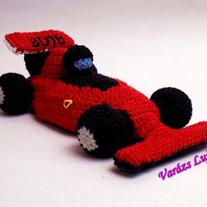 Horgolt Ferrari versenyautó, Játék, Férfiaknak, Dekoráció, Legénylakás, Famegmunkálás, Horgolás, Egy kedves kérésre készítettem ezt a vagàny Ferrari versenyautót. Ha Neked is megtetszett szívesen ..., Meska