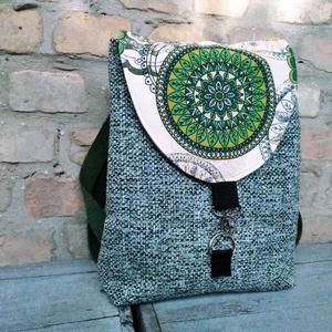 Mandala  hátizsák, Szuper színekkel minőségi anyagból készült hátizsák.\n\n \n Bélése csíkos pamutvászon és van egy nagy z..., Meska