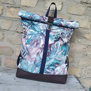 Vízálló pálmaleveles  roll up hátizsák, Táska & Tok, Hátizsák, Roll top hátizsák, Varrás, Vízálló anyagból és műbőrből készült roll up hátizsák.\n\nA táskáim kiváló minőségű anyagokból készüln..., Meska