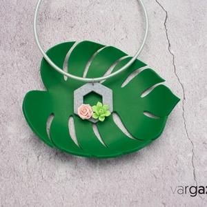 Pozsgás / Kövirózsa, kaktusz hexagon medálos nyaklánc  - Meska.hu