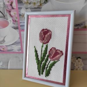 Keresztszemes hímzés tulipánok - Meska.hu
