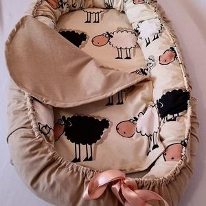 """Báránykás babafészek - fekete bárány, Gyerek & játék, Baba-mama kellék, Gyerekszoba, Varrás, Minden kisbaba szeret melegben \""""kuckózni\"""" és ha hozzáérhet kezével, lábával valamihez. Ehhez tökélet..., Meska"""