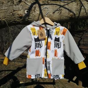 86-os cica mintás kisgyermek softshell dzseki, Ruha & Divat, Babaruha & Gyerekruha, Pulóver, Varrás, Ezt a kis aranyos világosszürke és cicás mintás kabátot softshell anyagból készítettem nektek. A kül..., Meska