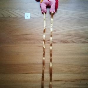 Unikornis hajcsattartó kislányoknak rózsaszín sárga piros, Kép & Falikép, Dekoráció, Otthon & Lakás, Varrás, Színes filc anyagból készítettem, kézzel varrt unikornis formájú hajcsattartót. Dísze lehet gyereksz..., Meska