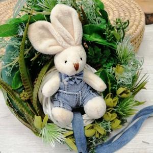 Húsvéti kopogtató, Otthon & lakás, Lakberendezés, Ajtódísz, kopogtató, Koszorú, Virágkötés, Selyemvirág  és plüssnyuszi díszíti ezt a kopogtatót. Húsvéti,tavaszi hangulat.\n22 cm\nSzállítás egye..., Meska