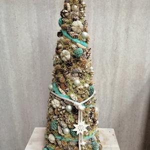 Türkz és natűr fenyő, Karácsony & Mikulás, Karácsonyi dekoráció, Virágkötés, Termésekkel,mohával,gyapjúval készült dekoráció. \n50 cm magas., Meska