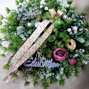 Ajtódísz tavaszi hangulatban, Otthon & Lakás, Dekoráció, Ajtódísz & Kopogtató, Virágkötés, Művirág koszorú selyemvirágokkal,édes otthon felirattal\n30x30 cm, Meska