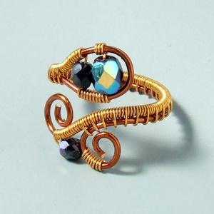 Fekete üveg gyöngyös réz gyűrű (VeraNasfa) - Meska.hu