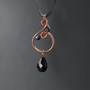 Fekete üveg gyöngy réz nyaklánc egyedi ékszer (VeraNasfa) - Meska.hu