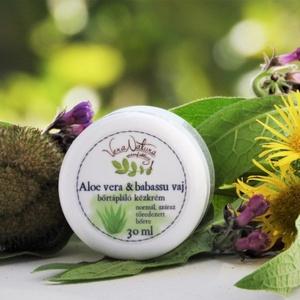 Aloe vera és babassu vaj bőrtápláló kézkrém, Szépség(ápolás), Táska, Divat & Szépség, Kozmetikum, Fürdőszobai kellék, Egészségmegőrzés, Kozmetikum készítés, 30ml\n\nHa zordra fordul az idő, kezünk rögtön nagyobb igénybevételnek van kitéve. A szél, a hideg, me..., Meska