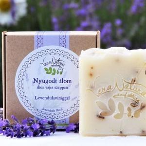 Nyugodt álom shea vajas levendulavirágos szappan, Táska, Divat & Szépség, Szépség(ápolás), Krém, szappan, dezodor, Növényi alapanyagú szappan, Fürdőszobai kellék, Kozmetikum készítés, 90g \nFriss levendulás illat és kényeztető ápolás a bőrnek, ez a két tulajdonság jut először eszünkbe..., Meska