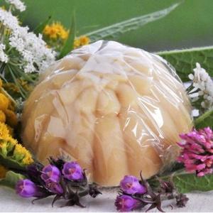Napos szirmok kecsketejes szappan körömvirággal, Szappan, Szappan & Fürdés, Szépségápolás, Kozmetikum készítés, 90-100g virág celofánban\n\nA napocska sugaraihoz hasonlító körömvirág szirmocskák beszívják az éltető..., Meska