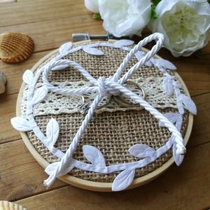 Zsákvászon gyűrűpárna, Esküvő, Gyűrűpárna, Rusztikus, naturális, vintage vagy mininalista esküvőt megálmodóknak ajánlom ezt a gyűrűpárnát.  Hím..., Meska