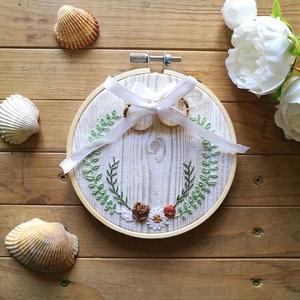 Naturális stílusú, hímzett gyűrűpárna, Esküvő, Gyűrűpárna, Naturális, vintage vagy skandináv stílusú esküvőt megálmodóknak ajánlom ezt a gyűrűpárnát.  Vintage ..., Meska