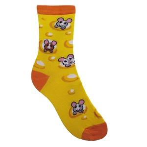 Sajtos-egeres zokni, Ruha & Divat, Cipő & Papucs, Zokni, Fotó, grafika, rajz, illusztráció, Kötés, Egy zokni, ami úgy néz ki, mintha sajt volna, amiből ráadásul zabálnivalóan édes egérkék kukucskálna..., Meska