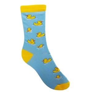 Vidám kiskacsák, Ruha & Divat, Cipő & Papucs, Zokni, Fotó, grafika, rajz, illusztráció, Kötés, Vidáman úszkáló sárga kiskacsákat ábrázoló zokni. Némelyik még a víz alá is lebukik, amitől csak még..., Meska