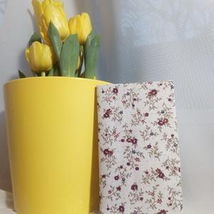 zsebkendő tartó virág mintás, Táska, Divat & Szépség, Táska, Pénztárca, tok, tárca, Zsebkendőtartó, Varrás, Pamutvászonból készült papírzsebkendő tartó.\nHa unod a müanyagot és valami szépre vágysz.\nEgy kedves..., Meska