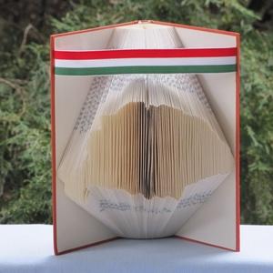 Könyvszobrászat  Nagy Magyarország   rendelésre!, Könyvszobor, Dekoráció, Otthon & Lakás, Papírművészet, Újrahasznosított alapanyagból készült termékek, Születésnapja alkalmából egy egyedi, különleges ajándékot szeretnél férfi ismerősödnek?\n\nAkkor itt a..., Meska