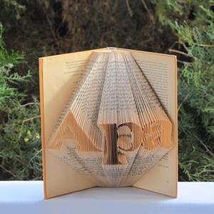 """Könyvszobrászat \""""Apa\""""  Rendelhető!, Otthon & Lakás, Dekoráció, Könyvszobor, Papírművészet, Újrahasznosított alapanyagból készült termékek, Közeledik édesapád születésnapja?\n\nLepd meg Öt egy különleges, egyedi, maradandó ajándékkal.\n\nEz a p..., Meska"""