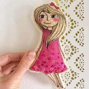 Rózsaszín tündér játék, Gyerek & játék, Játék, Játékfigura, Textilből és filcből varrtam, textilfestéssel és flitterekkel díszítettem ezt a kis tündérkét.  100%..., Meska