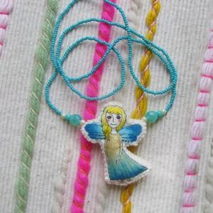 """Tündéres nyaklánc, Más figura, Plüssállat & Játékfigura, Játék & Gyerek, Varrás, Baba-és bábkészítés, Filcből és pamutból varrtam a kis figurát, textilfestéssel díszítettem és gyöngyláncra fűztem.\n\n\""""Tün..., Meska"""