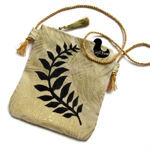 Leveles táska, Táska & Tok, Varrás, Táska leveles textilfestéssel, arany béléssel. Cipzárral nyitható. \n, Meska