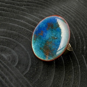 Tűzzománc nemesacél gyűrű - nemesacél gyűrű - tűzzománc gyűrű- kék és világosbarna színek - kék gyűrű - modern gyűrű, Ékszer, Gyűrű, Tűzzománc, Fémmegmunkálás, GALAXY GYŰRŰ\n\nGyönyörű színekben pompázó tűzzománc gyűrű nemesacél gyűrű alappal.\n\nA tűzzománc kör á..., Meska