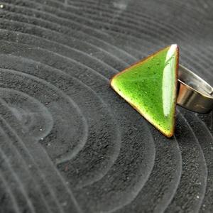Tűzzománc nemesacél gyűrű - nemesacél gyűrű - tűzzománc gyűrű- zöld szín - zöld gyűrű - háromszög gyűrű - modern gyűrű - Meska.hu