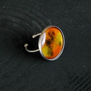 Tűzzománc nemesacél gyűrű - nemesacél gyűrű - tűzzománc gyűrű- narancs citrom barna színek - modern gyűrű, Ékszer, Gyűrű, Tűzzománc, Fémmegmunkálás, GALAXY GYŰRŰ\n\nGyönyörű színekben pompázó tűzzománc gyűrű nemesacél gyűrű alappal.\n\nA kör átmérője 22..., Meska