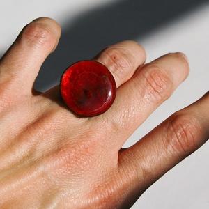 Tűzzománc nemesacél gyűrű - nemesacél gyűrű - tűzzománc gyűrű- bordó színek - modern gyűrű - bordó gyűrű, Statement gyűrű, Gyűrű, Ékszer, Tűzzománc, Fémmegmunkálás, GALAXY GYŰRŰ\n\nGyönyörű színekben pompázó tűzzománc gyűrű nemesacél gyűrű alappal.\n\nA tűzzománc kör á..., Meska