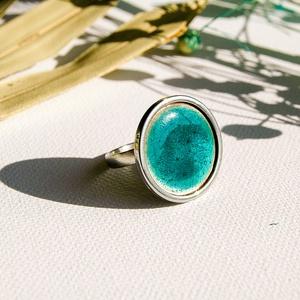 Türkizkék tűzzománc nemesacél gyűrű - nemesacél gyűrű - türkiz gyűrű, Ékszer, Gyűrű, Tűzzománc, Fémmegmunkálás, Gyönyörű élénk türkizkék színben pompázó tűzzománc gyűrű nemesacél gyűrű alappal.\n\nA kör átmérője 23..., Meska
