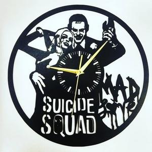 Joker Harley Quinn Falióra, Otthon & lakás, Lakberendezés, Falióra, óra, Festett tárgyak, Famegmunkálás, Suicide Squad Mad Love falióra.\n\nAz óra 3mm vastag HDF lemezből került kivágásra, átmérője 30cm, cse..., Meska
