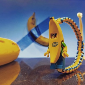 Banana Joe, Ékszer, Karkötő, Csomózás, A Minifig karkötők egyedileg kézzel készülnek, macrame technikával. A karkötő csatt része maga a fig..., Meska