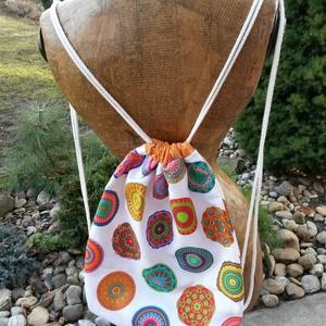 Hátizsák, tornazsák, Táska & Tok, Hátizsák, Varrás, Vászonból készült hátizsák, tornazsák zsinóros vállpánttal. Bélelt, zsebes.\nMéret:35X42, Meska