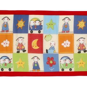 Falvédő, Játék & Gyerek, Jó minőségű pamutvászonból, vatelinnel bélelve készítettem a falvédőt. Méret:200X70 cm Hátsó bújtató..., Meska