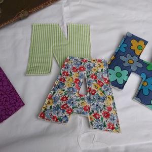 Textil betű, Otthon & Lakás, Betű & Név, Dekoráció, A színes maradék anyagok felhasználásával készült egy bőröndnyi textil betű. Hogy tartása is legyen,..., Meska