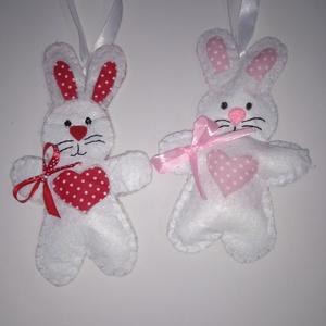 Húsvéti nyuszi, Játék & Gyerek, Plüssállat & Játékfigura, Nyuszi, Varrás, Fehér filc húsvéti nyuszi ,piros és rózsaszín pöttyös textil betéttel,kislányoknak!A nyuszi 15 cm ho..., Meska