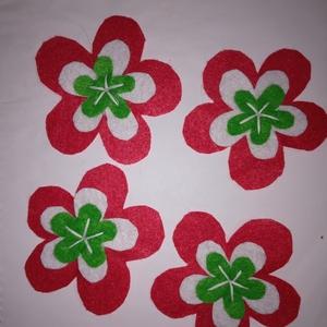 Filc kokárda, Ékszer, Kitűző & Bross, Kitűző, Hímzés, Sziasztok!! \nGyönyörű nemzeti színeinkben készítettem filc virágokból kokárdát!! \nGyönyörű szép, és ..., Meska