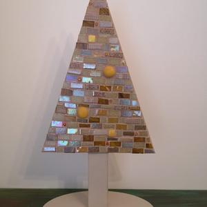 Arany fenyő, Otthon & lakás, Dekoráció, Ünnepi dekoráció, Karácsonyi, adventi apróságok, Karácsonyi dekoráció, Mozaik, Festett tárgyak, Aprólékos munkával készült, bézs és drapp színű patchwork mintás, háromféle színű gyöngyházas arany ..., Meska