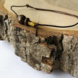 Egyszálas karkötő - barna ásványok, Ékszer, Karkötő, Charm karkötő, Ékszerkészítés, Gyöngyfűzés, gyöngyhímzés, Hangsúlyos egyszál karkötő minden csuklóméretre, matt barna szálon, csúszócsomóval.\n\nAz ásványok: \n-..., Meska