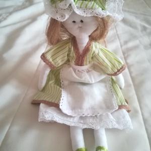 Zöld ruhás hölgy, Gyerek & játék, Játék, Plüssállat, rongyjáték, Játékfigura, Hímzés, Varrás, Zöld ruhás hölgy ajtódísznek.\n\nA ruhája és a teste is vászonból készült, így a nyári melegekben is k..., Meska