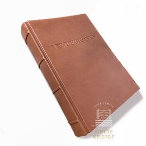 VALÓDI BŐR, vintage, személyre szabott, vendégkönyv, napló, notesz, jegyzetfüzet, receptkönyv, rajzkönyv, emlékkönyv, A4, Esküvő, Emlék & Ajándék, Vendégkönyv, Bőrművesség, Könyvkötés, Egyedi, személyre szabott, bőr könyv, kézzel merített papír könyvtesttel.\n\nKérjük írja meg részünkre..., Meska