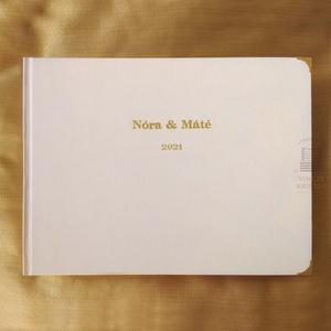 FOTÓALBUM különleges merített papírlapok, arany felirat, FŰZÖTT, Fényképalbum, Emlékalbum, Babaalbum, Instax album, Esküvő, Emlék & Ajándék, Album & Fotóalbum, Könyvkötés, Papírművészet, TERMÉKLEÍRÁS\n- kézzel fűzött könyvtest (időtálló)\n- kemény táblás\n- vászon borítás, több szín válasz..., Meska